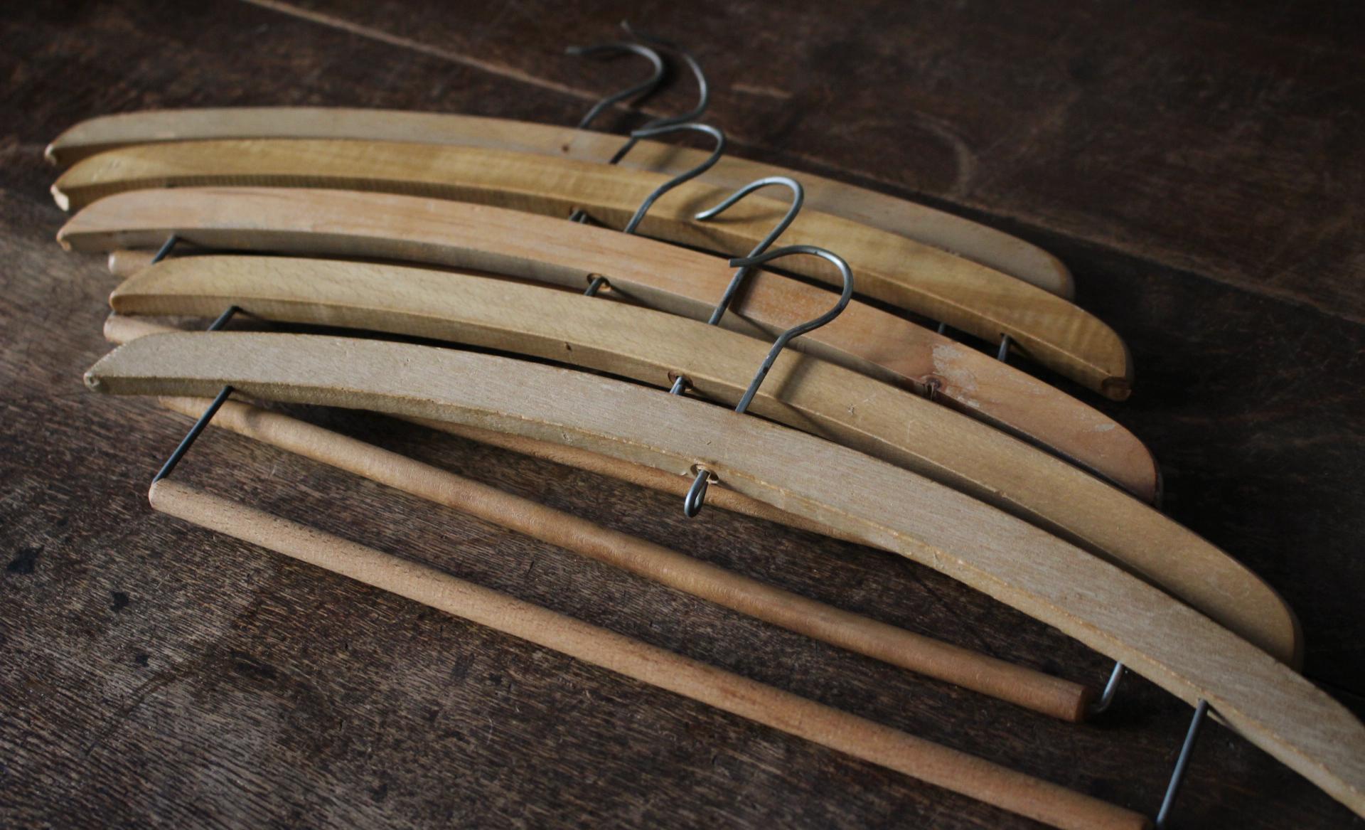 木とアイアンのダブルバー付木製ハンガー5本セット