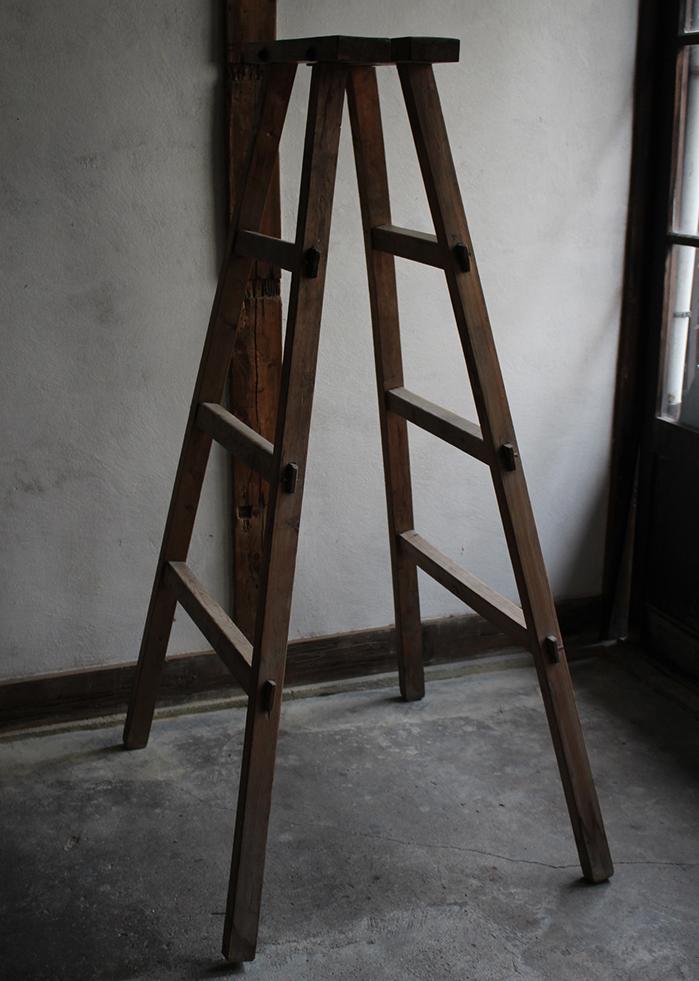 古い木製のはしご・脚立 棚脚として