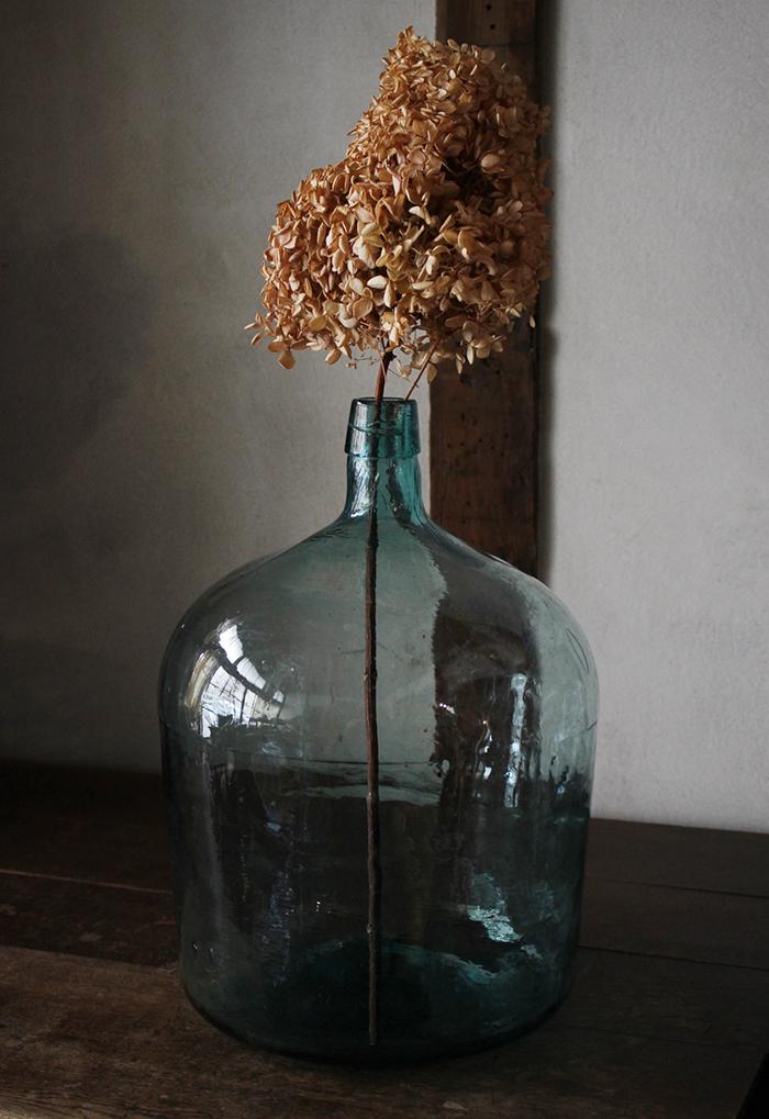 青緑色の大きなガラス瓶・デミジョンガラスボトル