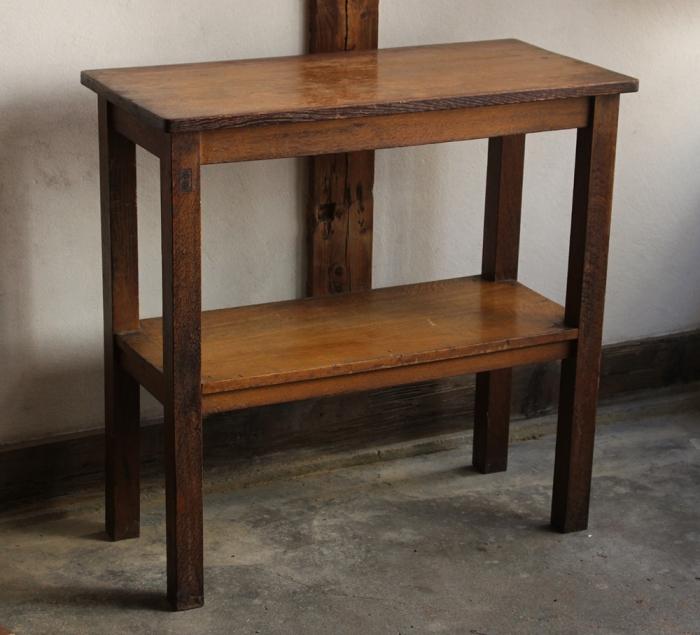 木味の良い木製棚・机