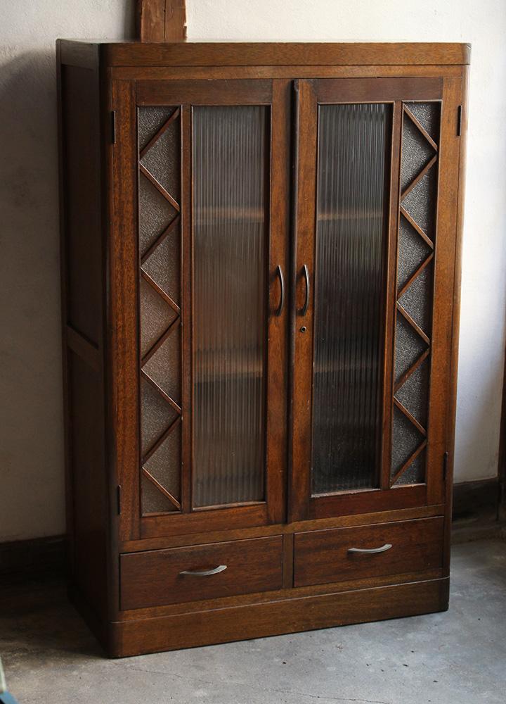 モールガラスとダイヤガラスの戸棚・本棚