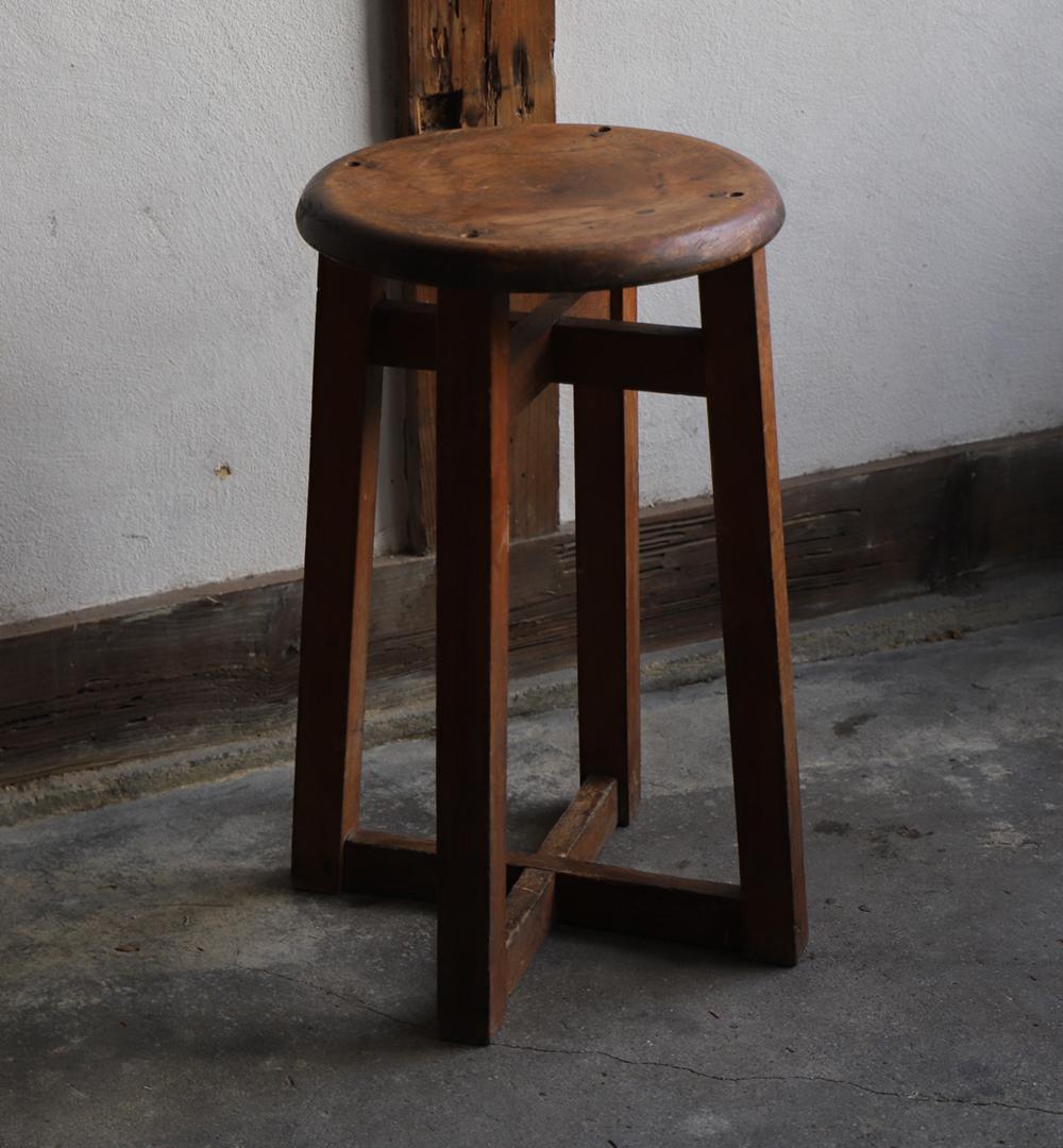 木製の丸椅子・丸スツール