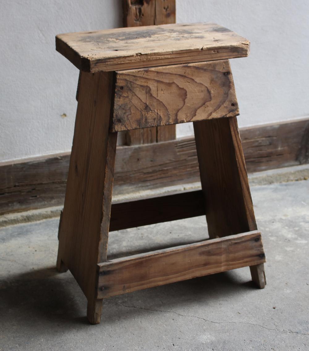 木製のスツール・椅子・脚立