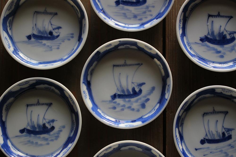 帆掛船図の染付の豆皿・小皿