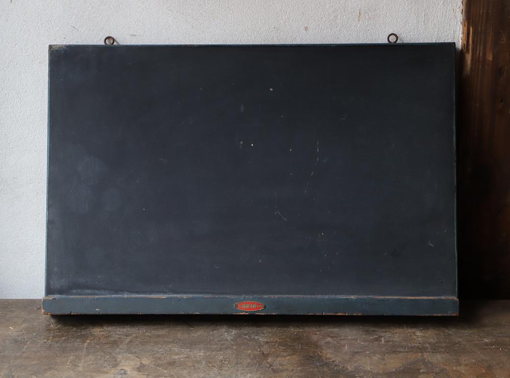 小ぶりなサイズが可愛い木製の黒板