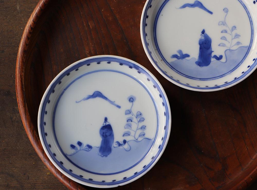 見込みに賢人 縁のドットが可愛い染付小皿
